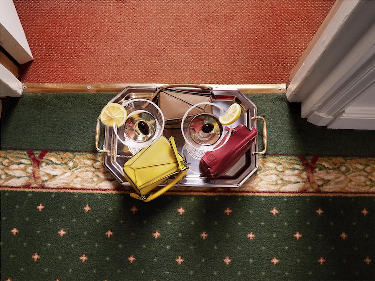Loewe包包縮小啦!2021春夏Nano Puzzle迷你尺寸登場,五色連發「亮麗黃」賣翻天!-1