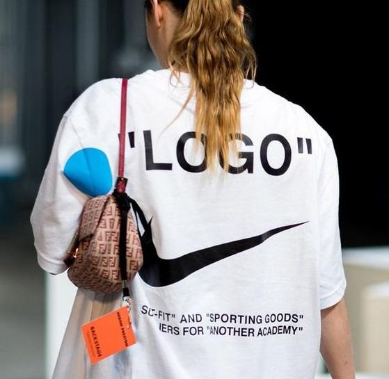 2020夏季Logo T恤這樣買!LV、Dior、Celine...造型師力推這10件!-2