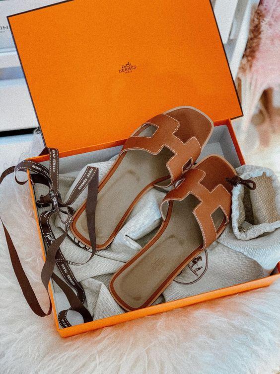 【10Why個為什麼】Hermès包包賣輸這拖鞋?Oran Sandal靠這10點走紅23年!-9