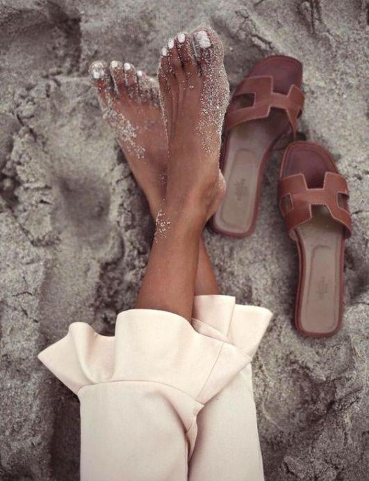 【10Why個為什麼】Hermès包包賣輸這拖鞋?Oran Sandal靠這10點走紅23年!-2