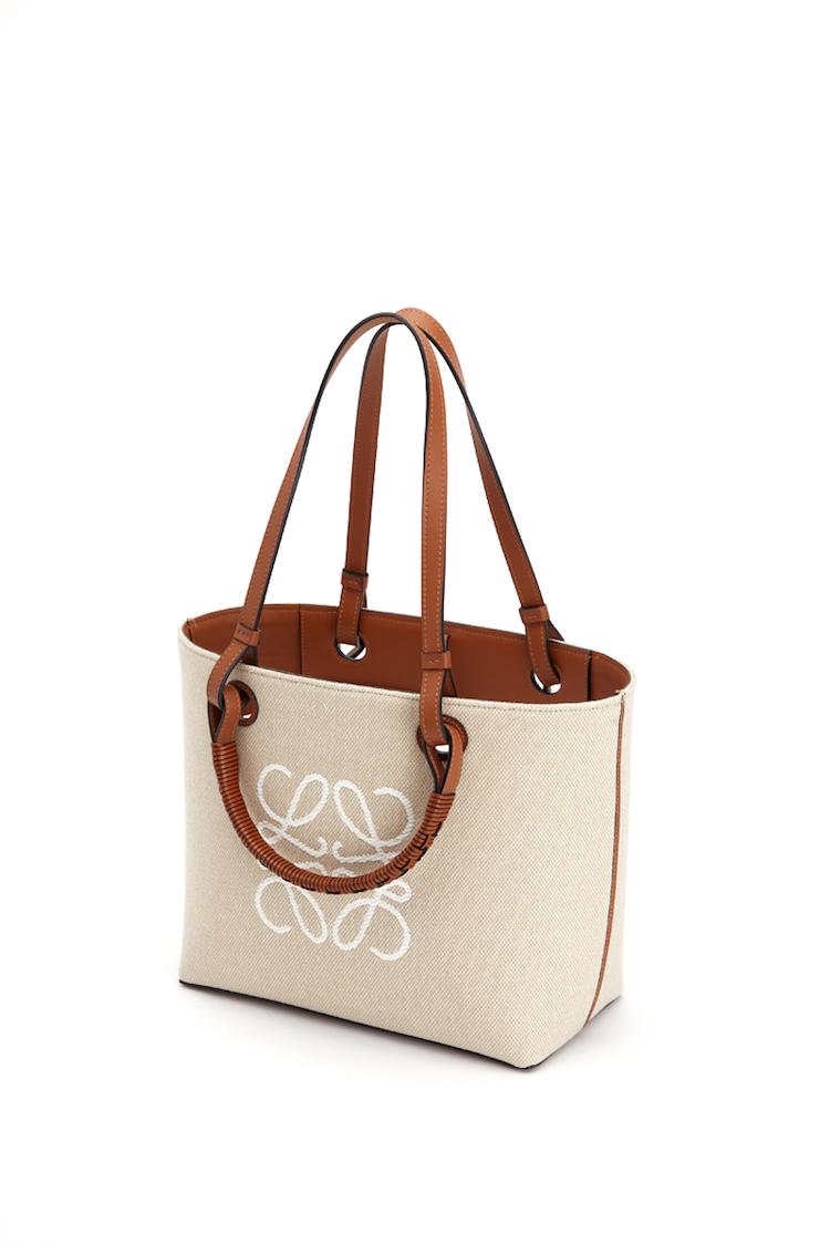 Loewe包包推薦「老花」!50週年推出緹花新系列,狂賣氣球包、吊床包全都換上新裝-3