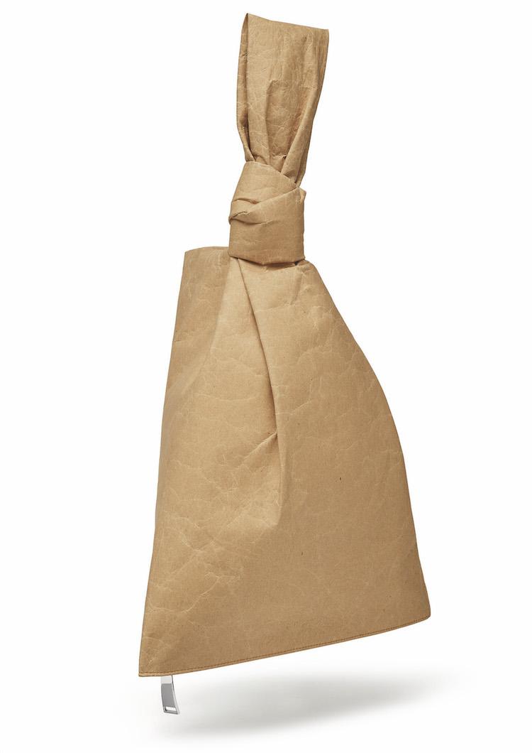 雲朵包改用紙做?BV新包登場,泡麵編織、牛皮紙袋到大鐵鍊包真的太帥!-1