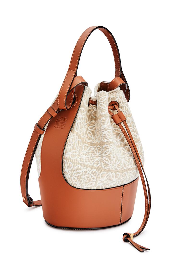 Loewe包包推薦「老花」!50週年推出緹花新系列,狂賣氣球包、吊床包全都換上新裝-4