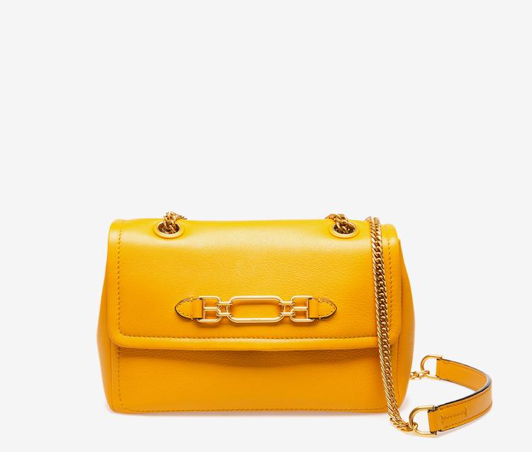 精品包入門款推薦這20款 !BV、Celine、Dior、Gucci....第一款包絕對要挑「金釦包」-15