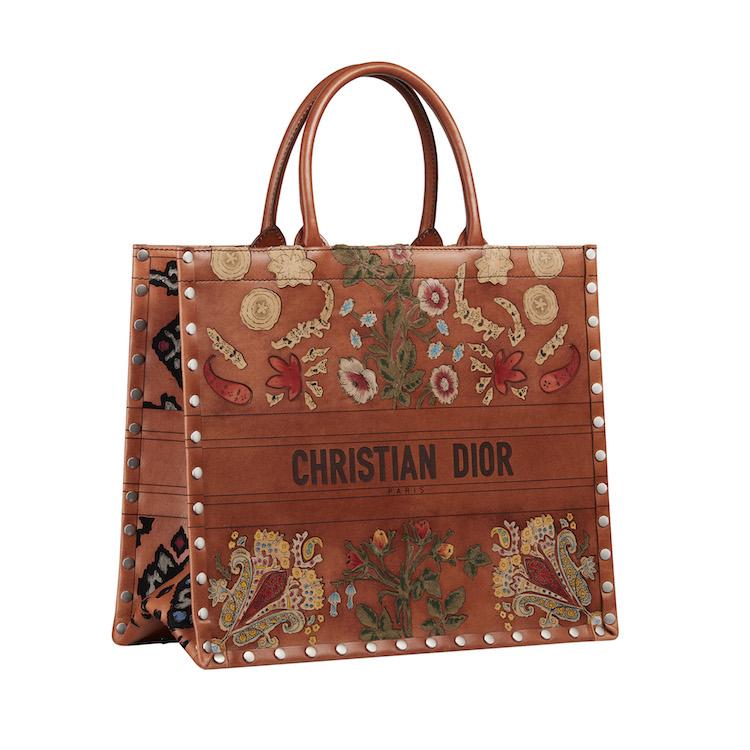 Dior春夏包包推薦Top10!馬鞍包、丹寧蒙田包...2021秒殺款絕對有刺繡水桶包-1