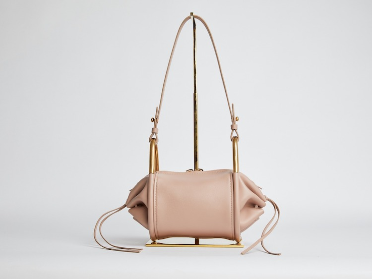 2021春夏腋下包推薦Top10!Dior「馬鞍包」、Chloé「BonBon」...,Prada「Cleo」人氣爆增-2