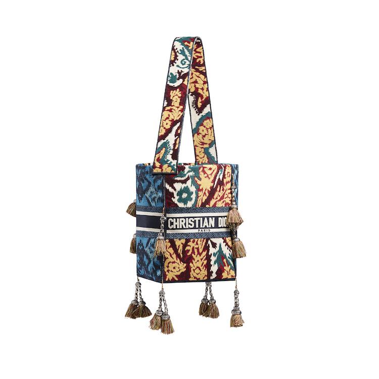 Dior春夏包包推薦Top10!馬鞍包、丹寧蒙田包...2021秒殺款絕對有刺繡水桶包-2