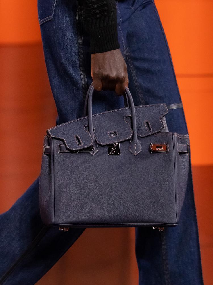 Hermès 2021秋冬大秀包包太精采!手機包、口紅掛包到變身的柏金包,下半年荷包準備失血-3