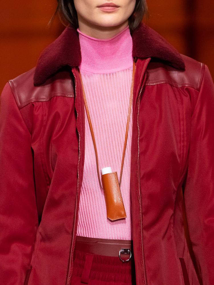 Hermès 2021秋冬大秀包包太精采!手機包、口紅掛包到變身的柏金包,下半年荷包準備失血-2