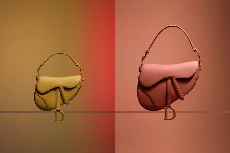 Dior超迷你馬鞍包登場!經典老花、粉霧配色超夢幻,小資價就能擁有!-1