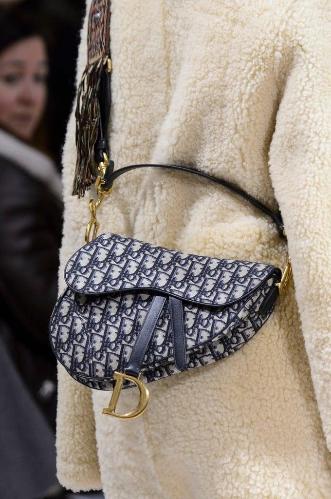 【10Why個為什麼】Dior馬鞍包、蒙田包都需要它!「Oblique老花」這10點讓男女都愛死!-3