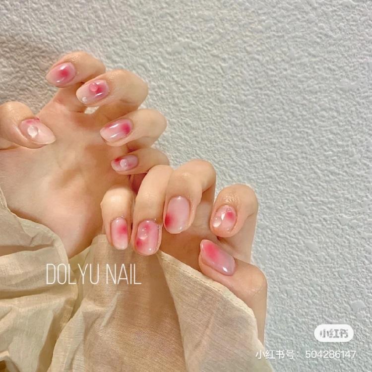 2021光療趨勢推薦「腮紅美甲」!5款超顯白造型,玫瑰粉、法式蜜桃....韓妞最愛是這款-2