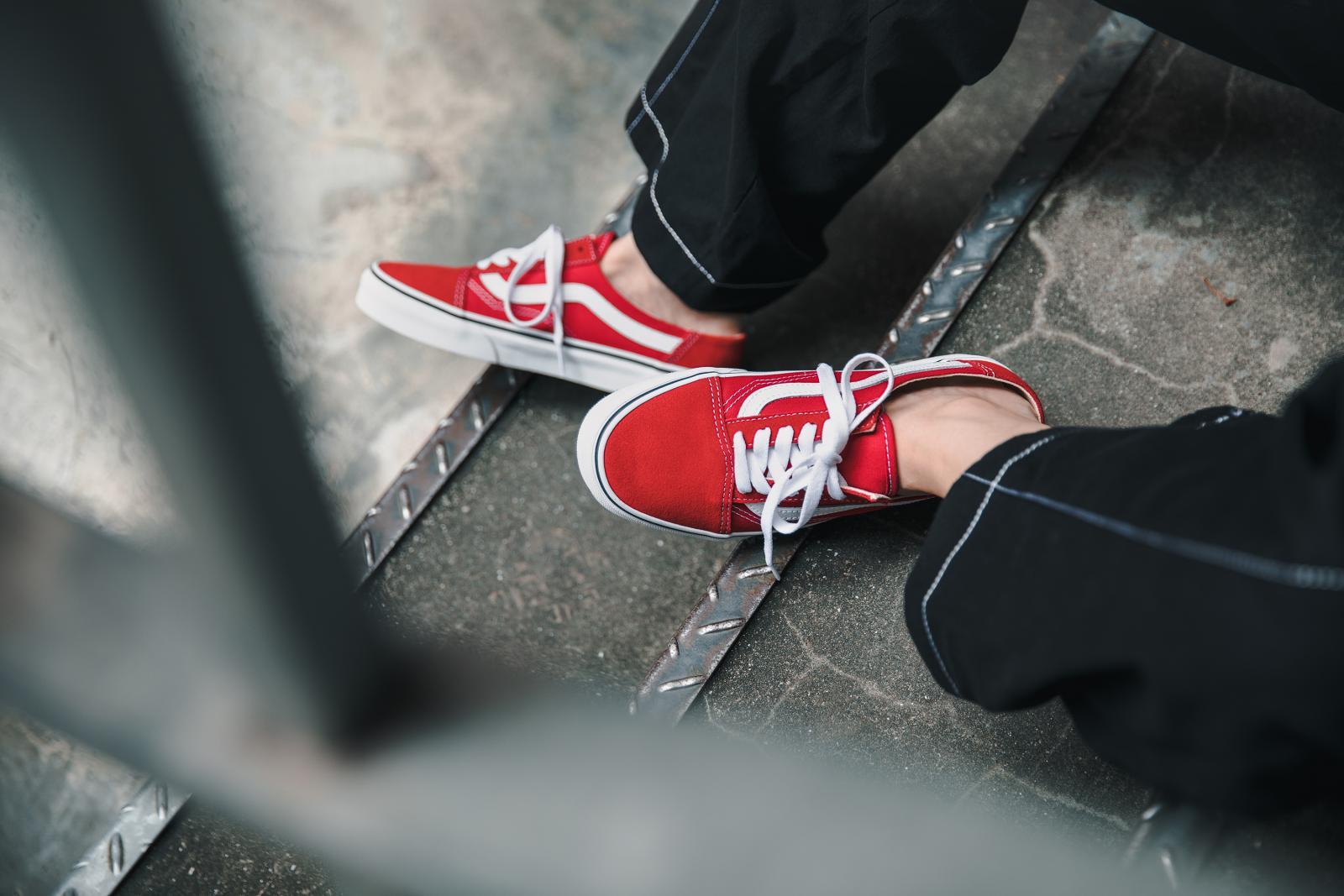 誰說穆勒鞋都走淑女風?跟著網紅方柒柒這樣穿,輕鬆駕馭 VANS 穆勒鞋-2