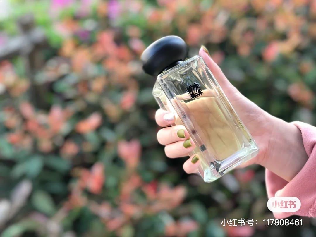 2021香水關鍵字「茶調香」最夯!春日男友襯衫上的味道,讓人一聞就戒不掉的淡淡茶香-2