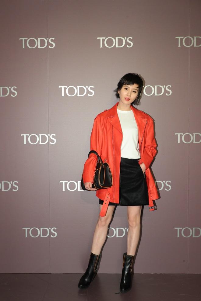 劉詩詩出席TOD'S 2017秋冬出席品牌活動,帥氣裝扮獲得「劉英俊」的封號