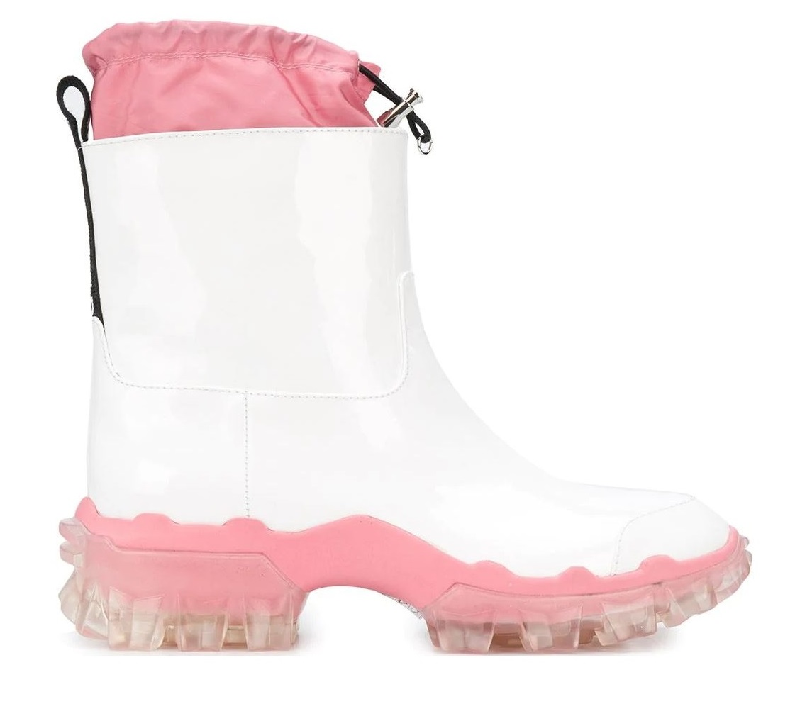雨鞋防水更要美!LV、Dior、BV...10款時髦度百分百的精品雨鞋!-8