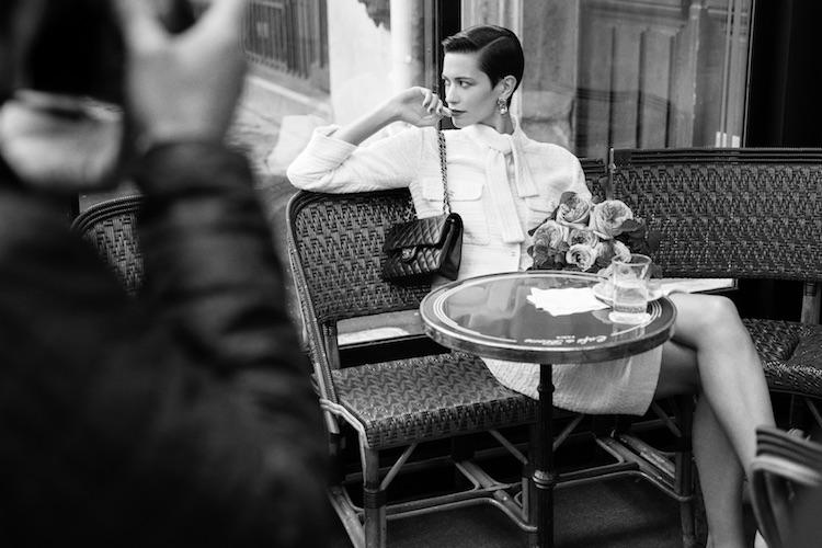 【10Why個為什麼】Chanel  「11.12」紅遍38年有道理!180道作工、口紅暗袋巧思,這10招讓女人都為它臣服-4
