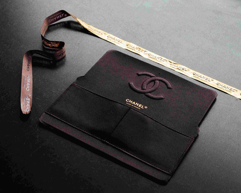 【10Why個為什麼】Chanel  「11.12」紅遍38年有道理!180道作工、口紅暗袋巧思,這10招讓女人都為它臣服-8