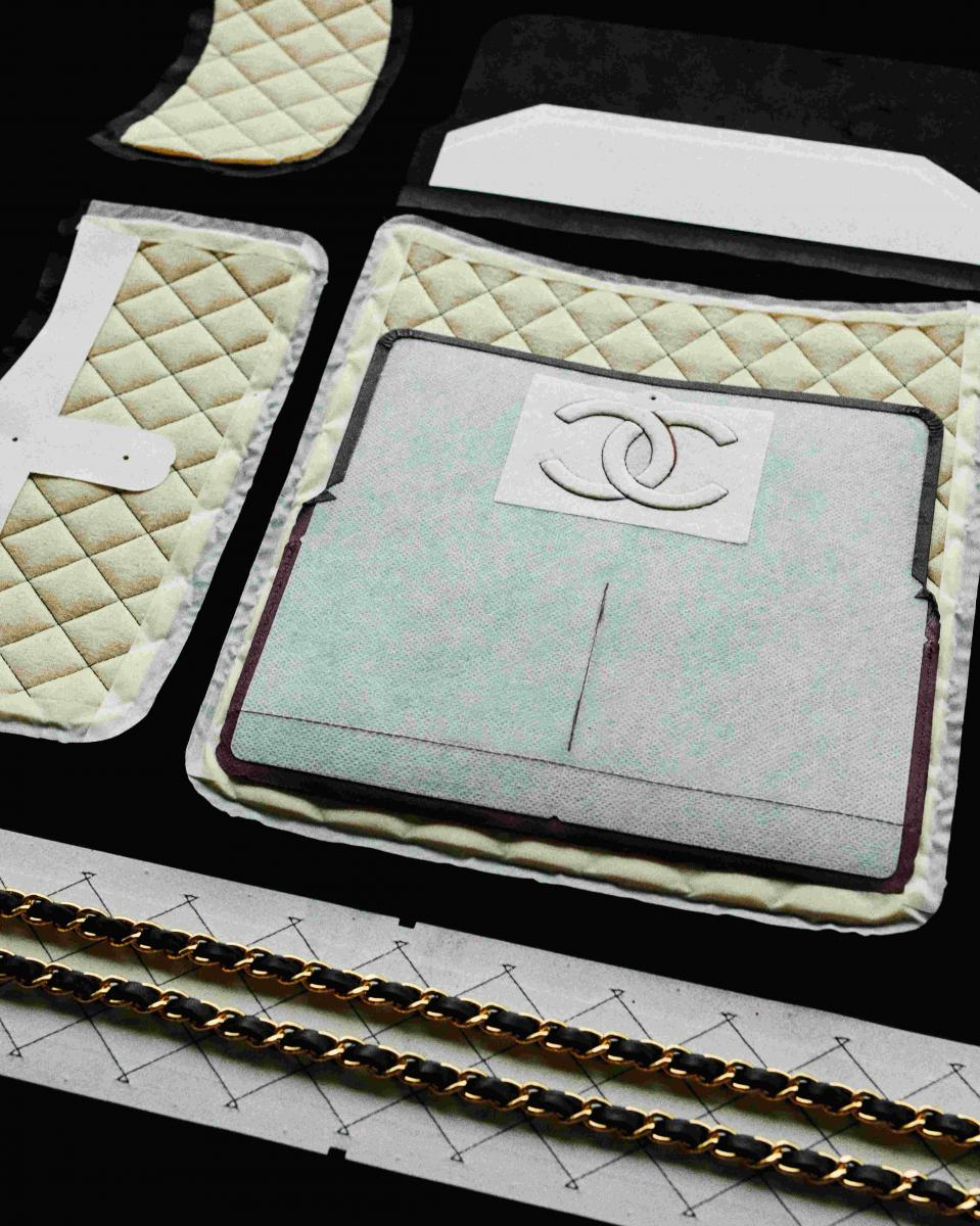 【10Why個為什麼】Chanel  「11.12」紅遍38年有道理!180道作工、口紅暗袋巧思,這10招讓女人都為它臣服-5