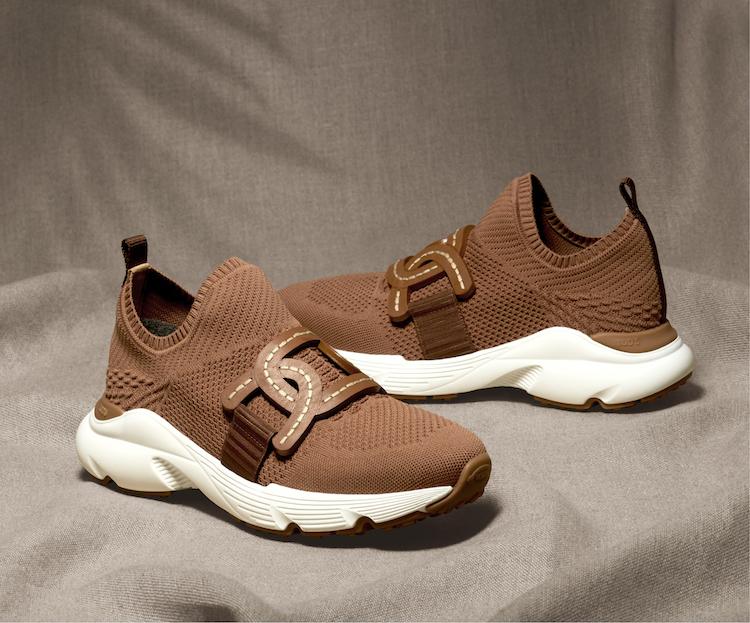 Tod's豆豆鞋請讓位!全新鎖鏈方包、半月包真的太美!加碼推出寬版手環根本是穿搭利器-4