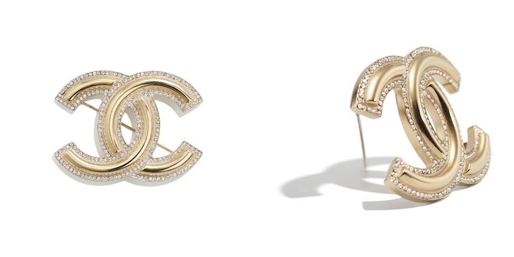 Chanel首飾推薦這10款胸針 !沒有2.55、19、boy chanel沒關係 ,cc logo胸針讓你秒變時尚部落客!-1