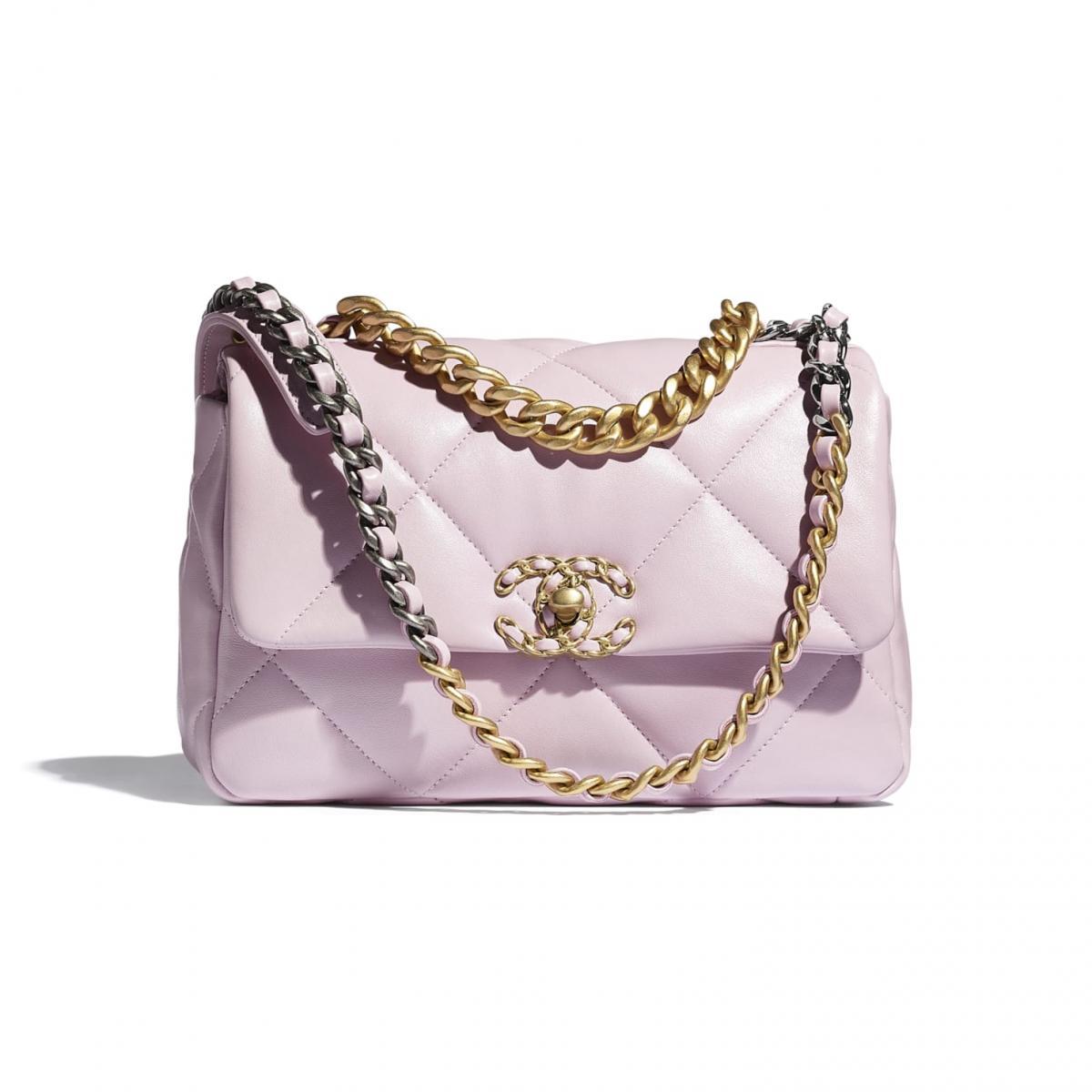 2021年Chanel春夏包包「寶寶粉」推薦這8款!水桶包、圓餅包 、零錢包 .....19口蓋包有錢不一定買的到-1