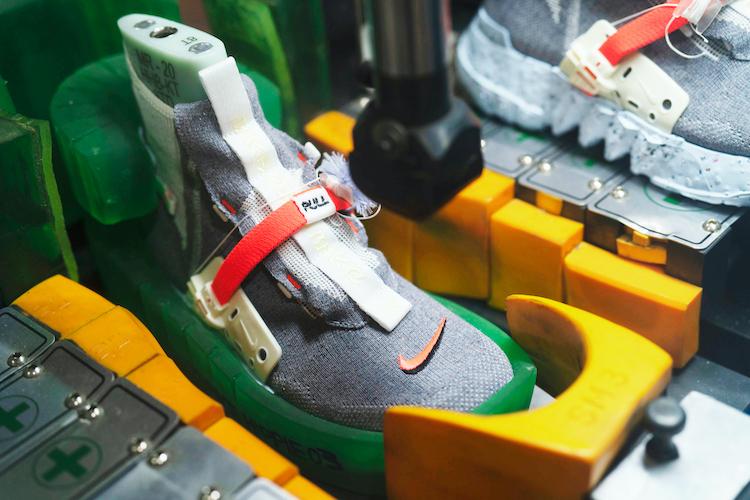 Nike換掉經典包裝?用廢棄回收再製推出全新「Space Hippie 」系列鞋款!-2