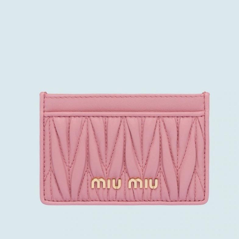 名片夾推薦Top 15!LV、Dior、Gucci...小資女年終犒賞自己就買它-12