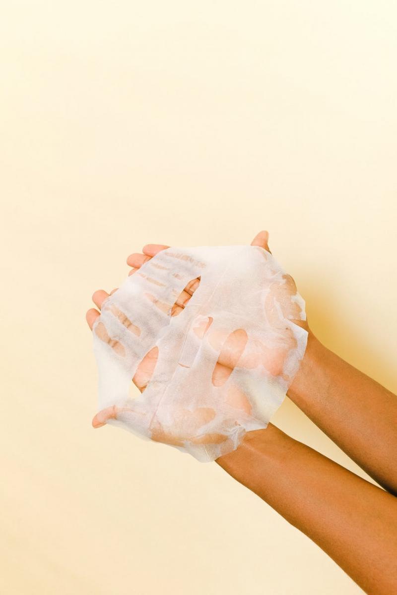 毛孔粗大怎麼辦?韓國皮膚科醫師5招解救,防曬、去角質還不夠,洗臉用「這個」最有效-4