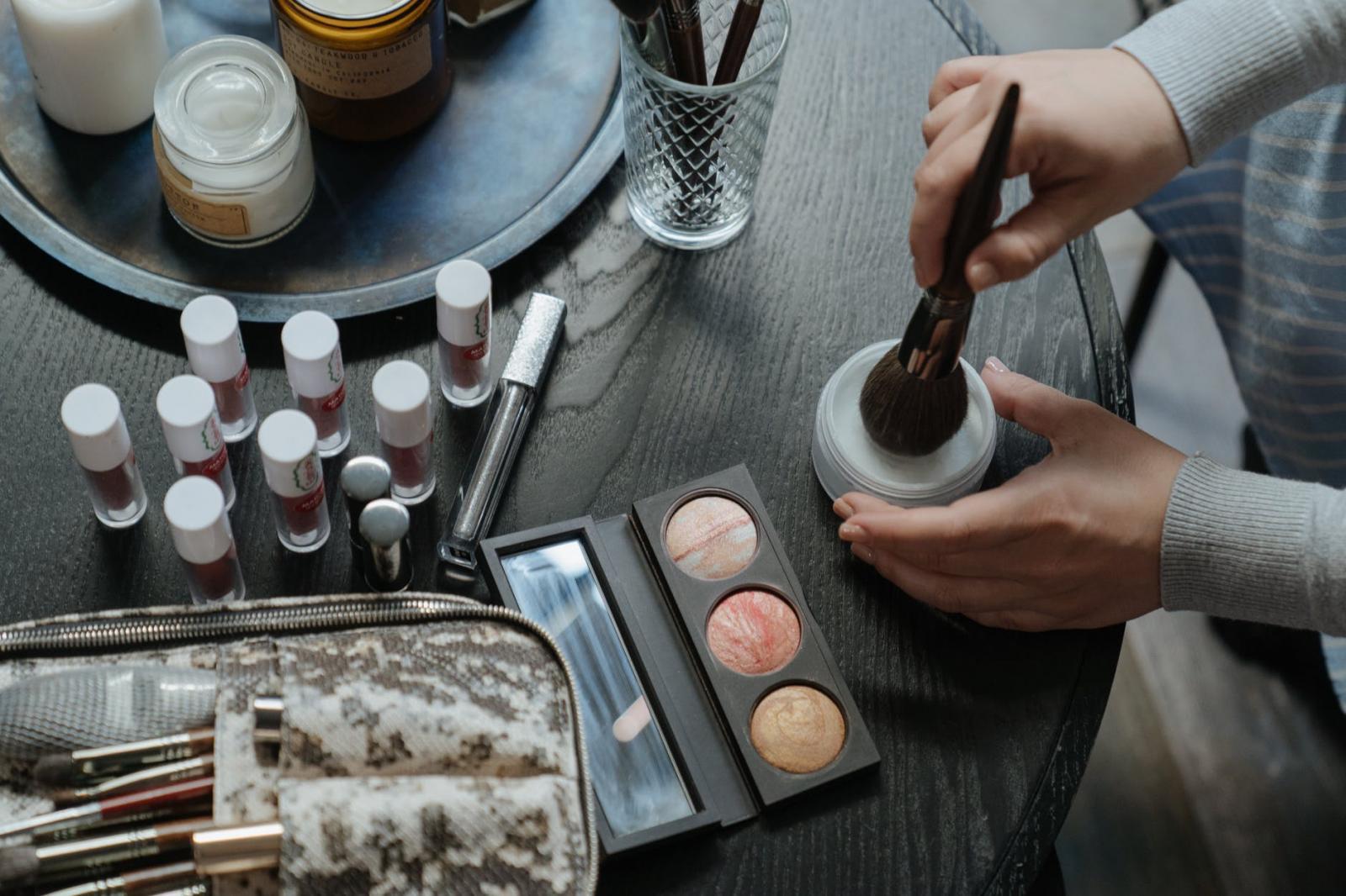 刷具清潔掌握5大秘訣!唇膏類要低溫消毒,氣墊粉餅想抗菌這一步得做好-0