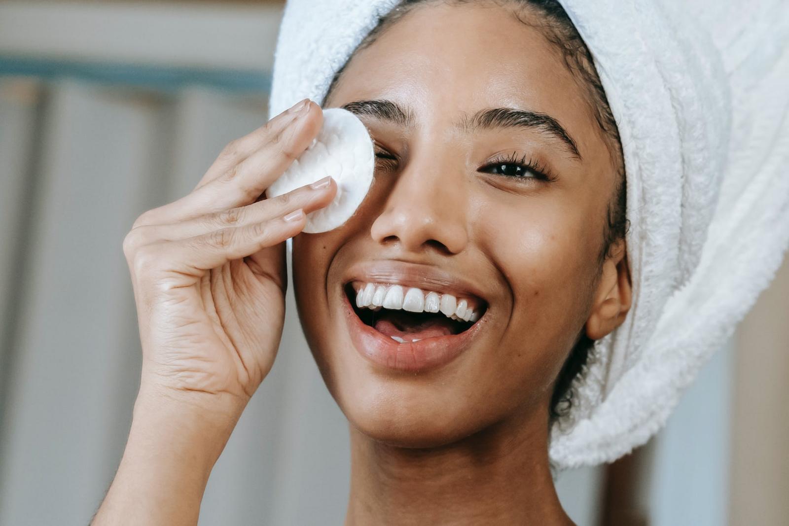 卸妝正確步驟你做對了?專家驚爆4大重點,卸妝水濕敷至少30秒,卸妝油乳化前應多做這一步-1
