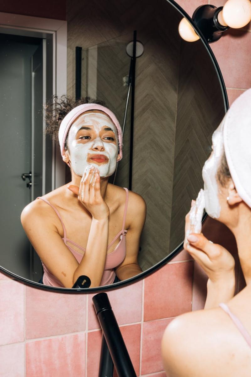 毛孔粗大怎麼辦?韓國皮膚科醫師5招解救,防曬、去角質還不夠,洗臉用「這個」最有效-0