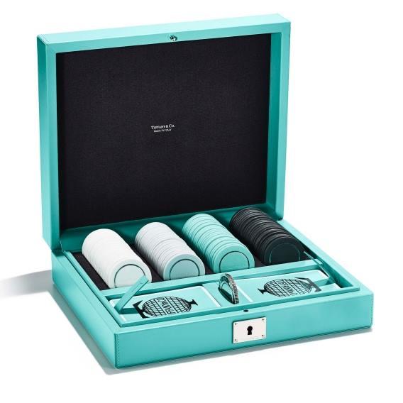 奢華經典水藍色,將經典遊戲與傳統物件玩美結合