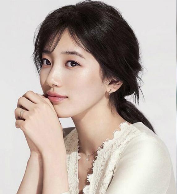 好想要韓劇女主角的優雅低馬尾!3 Tips教妳1分鐘綁出甜美氣質