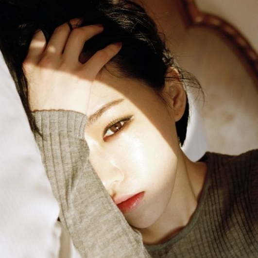 韓國女星孫佳人(Gain),雖為單眼皮,但眼睛依然漂亮有魅力。