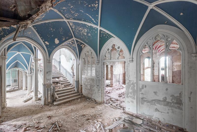 凝結在時空裡的崩世美景-- 一窺歐洲廢棄建築的頹廢魅力