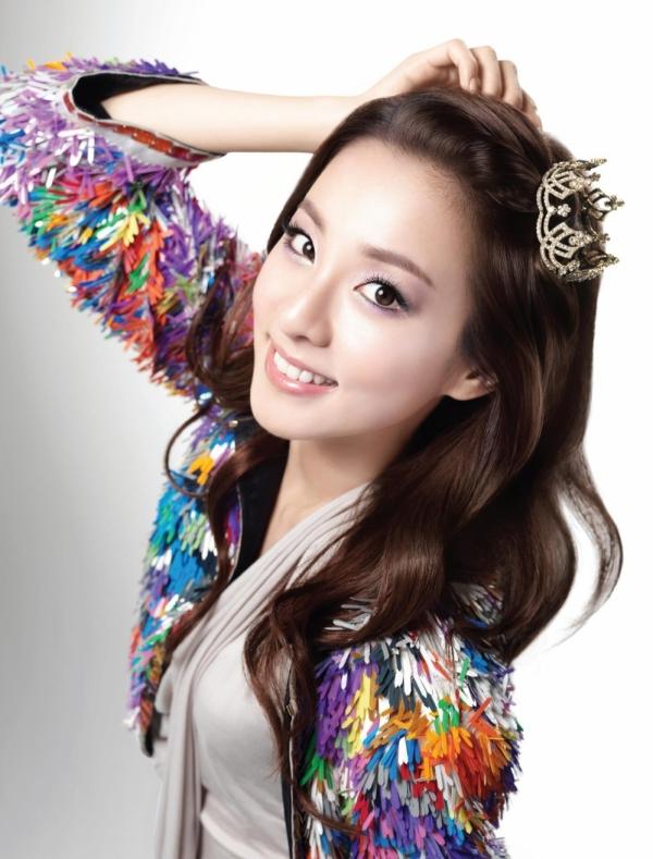 韓國女子團體2NE1的成員─朴山多拉Dora。