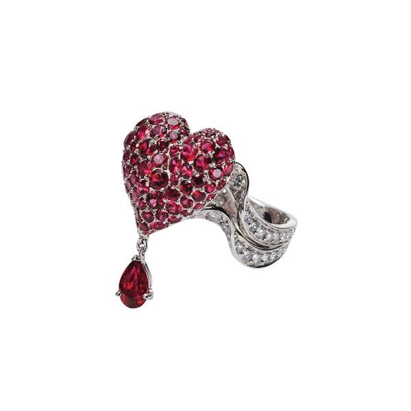 Cupidon 18K白金鑲嵌紅色尖金石戒指 NTD 984,000