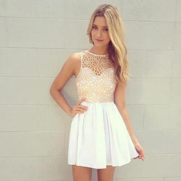 鏤空洋裝也可呈現性感甜美!