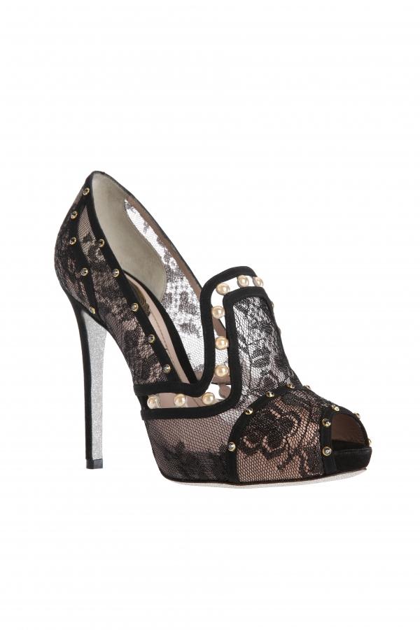 蕾絲珍珠魚口高跟鞋 NT$39,000