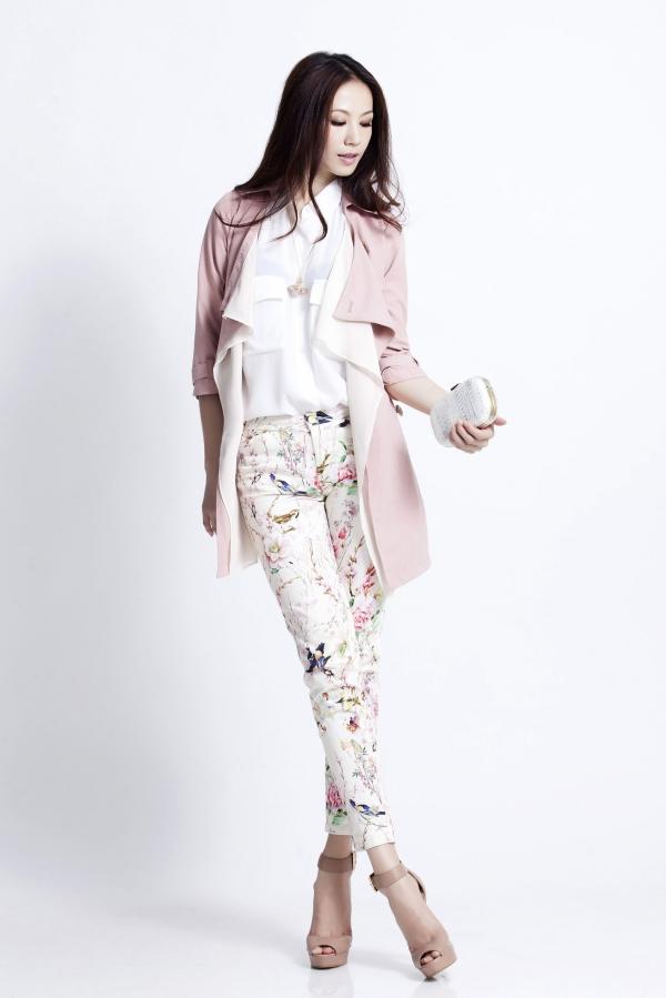 窄管褲搭配長版外套可以顯瘦。