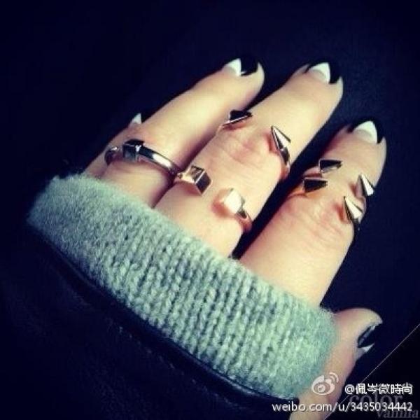 佩岑微時尚的微博照片。