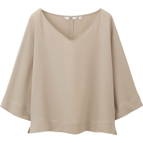 Uniqlo 7分袖女裝垂墜風上衣,790元。