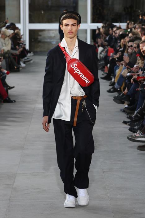 路易威登 × SUPREME 2017年秋冬男裝聯名作。