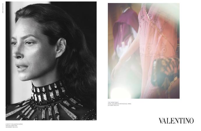 超模Christy Turlington演繹Valentino 2017年春夏最新女裝廣告形象。