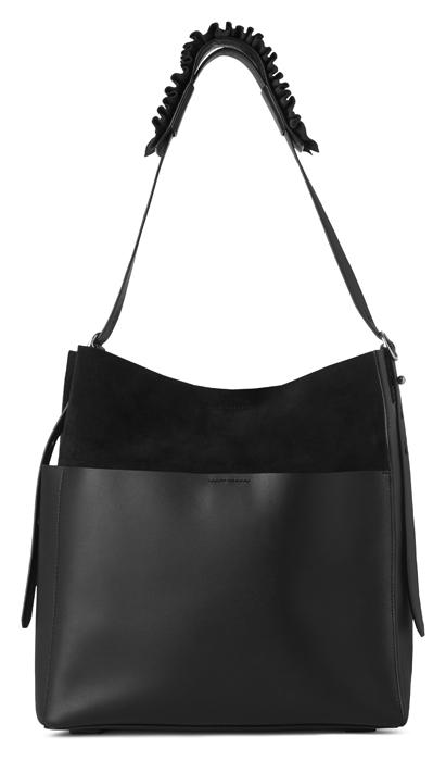 AllSaints Maya 黑色麂皮拼接背帶抓皺肩背包,14,900元。