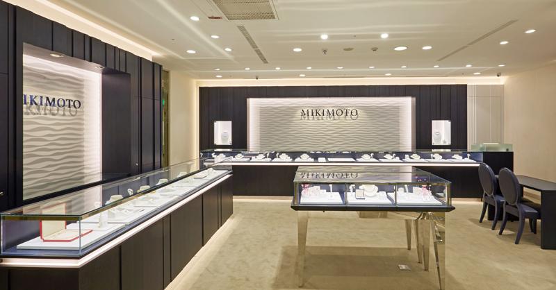 MIKIMOTO 全新台中中港新光三越精品店形象,延續日本總店設計。