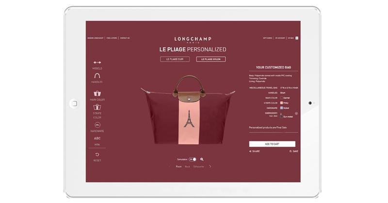 消費者於台灣Longchamp門市透過平板電腦模擬多種組合,打造出獨一無二的Longchamp Le Pliage® Personalized 經典尼龍摺疊包訂製!