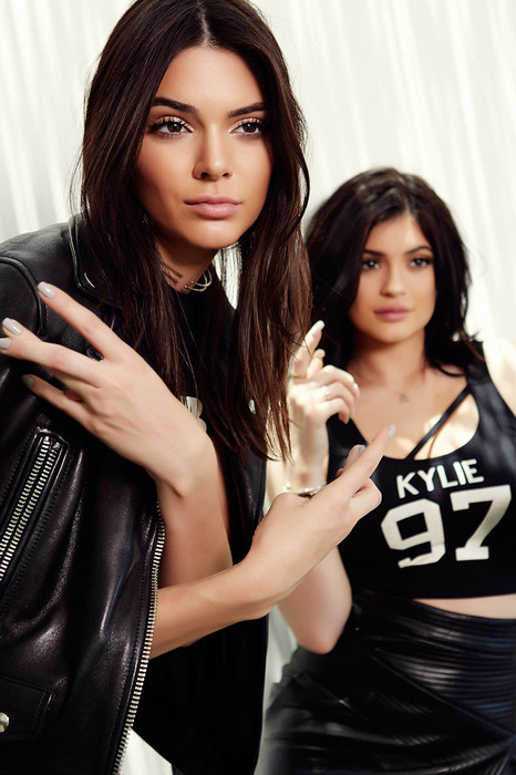 Kendall and Kylie Jenner 1