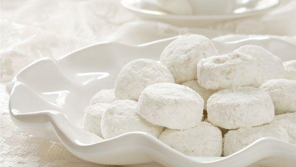 一口一個灑滿甜甜糖霜的雪球餅乾,就像吃著滿滿的幸福!